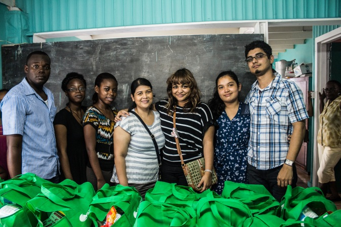 Pic 9 - Volunteer Team - Photo Credit Youths For Guyana
